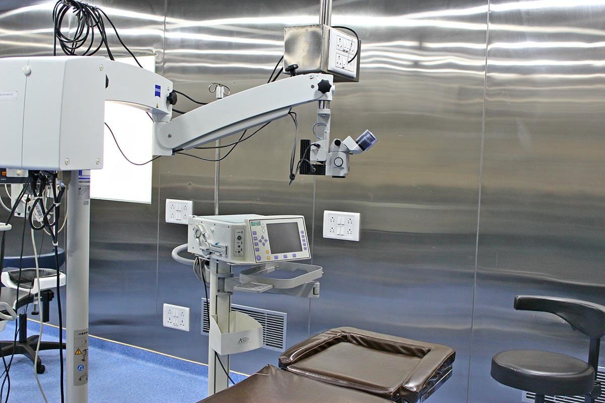 Operating Microscope (ZEISS) - Phacoemulsification (1200px) Sunayana Eye Hospital